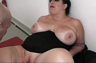 BBW in pantyhoses rides massive rod