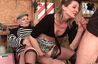 skinny porno - Skinny milf gets anal fucked in threesome with Papy Voyeur outdoor