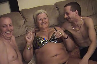 Amateur guys with an older fatter matures