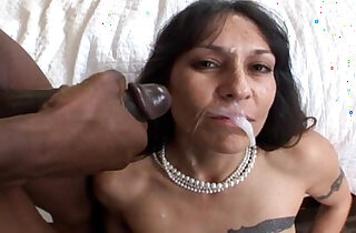 Mature milf bangs black monster cock gets a big facial in Hot Mom Pussy Video